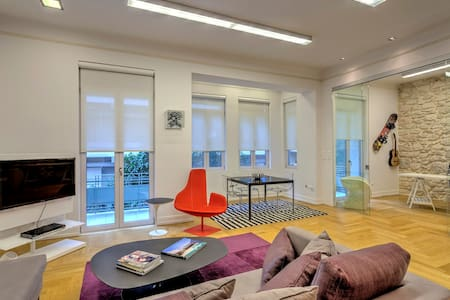 Listed 1930's Modern Apartment  - Pireas - Appartement