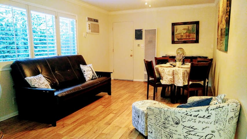 Cozy 2BR Guest House w/ Private Entry and Patio