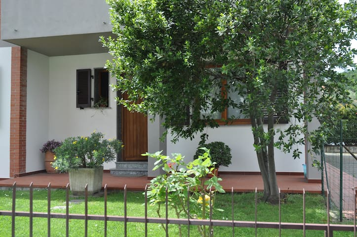 """Casa Giugiu' "" tra Cinque Terre e Lunigiana - Albiano Magra - Apartmen"