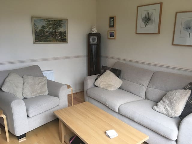 2 BR flat with abbey views (and no hidden fees)