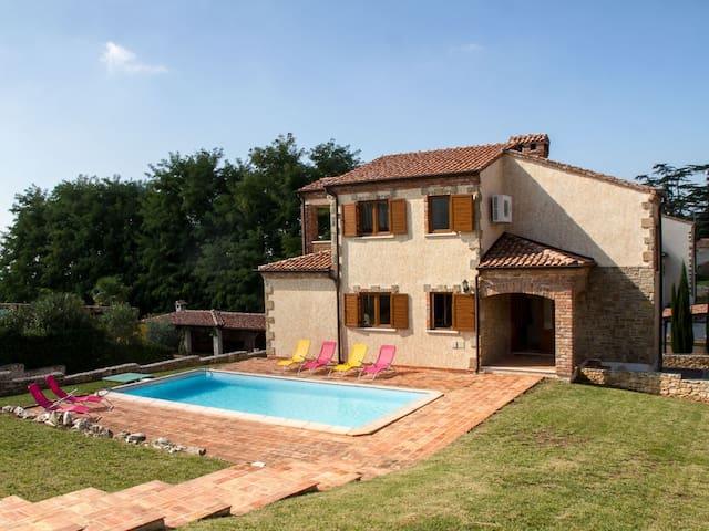 Villa Sanja, Kaštelir - Kaštelir - House