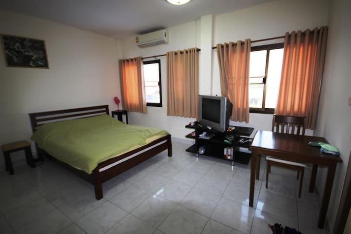 Cumfy cushy Apartment in hip HuaHin - Tambon Hua Hin - Lejlighed