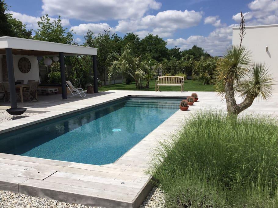 Chambre avec piscine dans maison contemporaine chambres - Chambre d hote en auvergne avec piscine ...