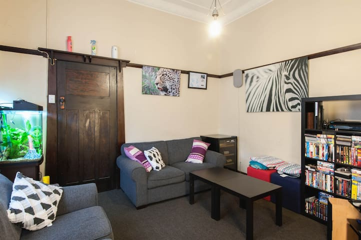 Spacious room close to everything - Maroubra