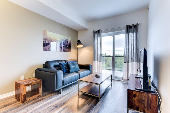 Bright & Modern 1BR in Kanata great 4 relocation!