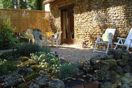 La Petite Maison a Vergt, Dordogne - Saint-Amand-de-Vergt - House