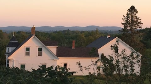 Entire House ,Stephenson  Farm on Lower Mason Pond