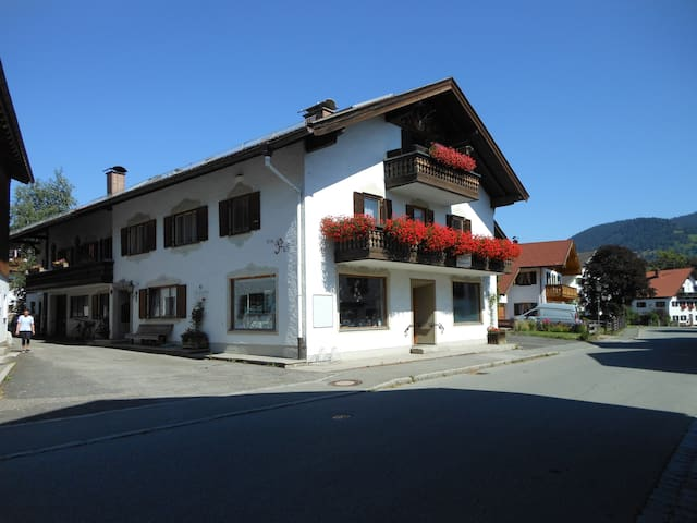family-apartment incl BnB/Kingscard - Unterammergau