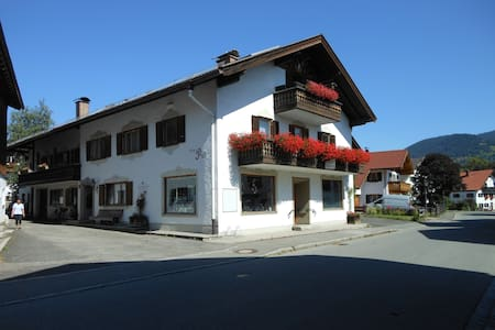 family-apartment incl BnB/Kingscard - Unterammergau - Bed & Breakfast