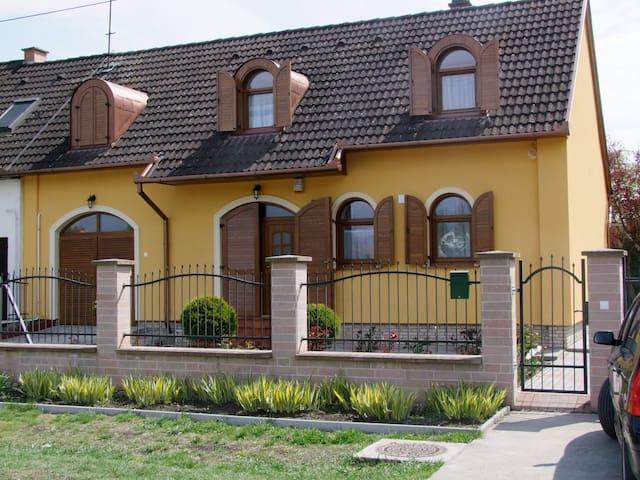Rajna Vendégház Bogács - Bogács - Dom