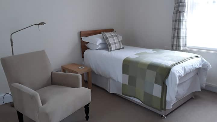 Quiet room for long term letting