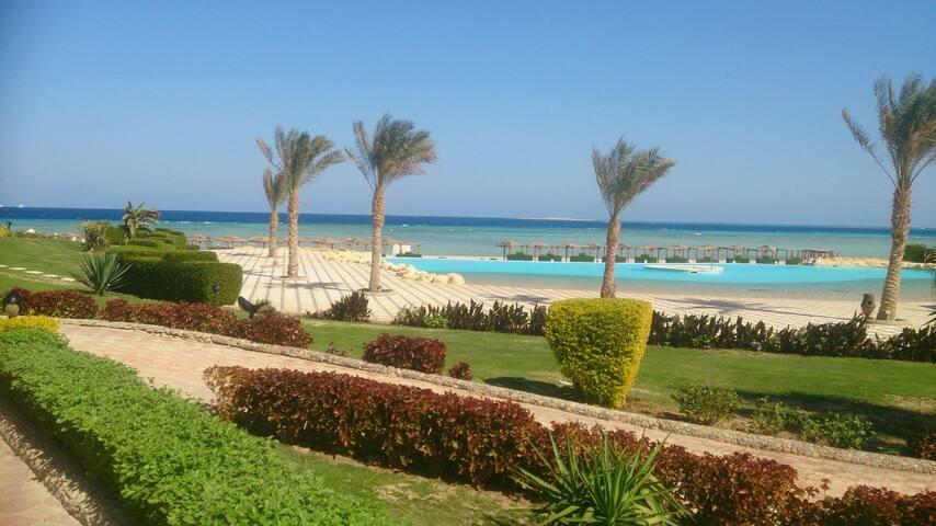 5 stars resort in sahl hashish directly on the sea