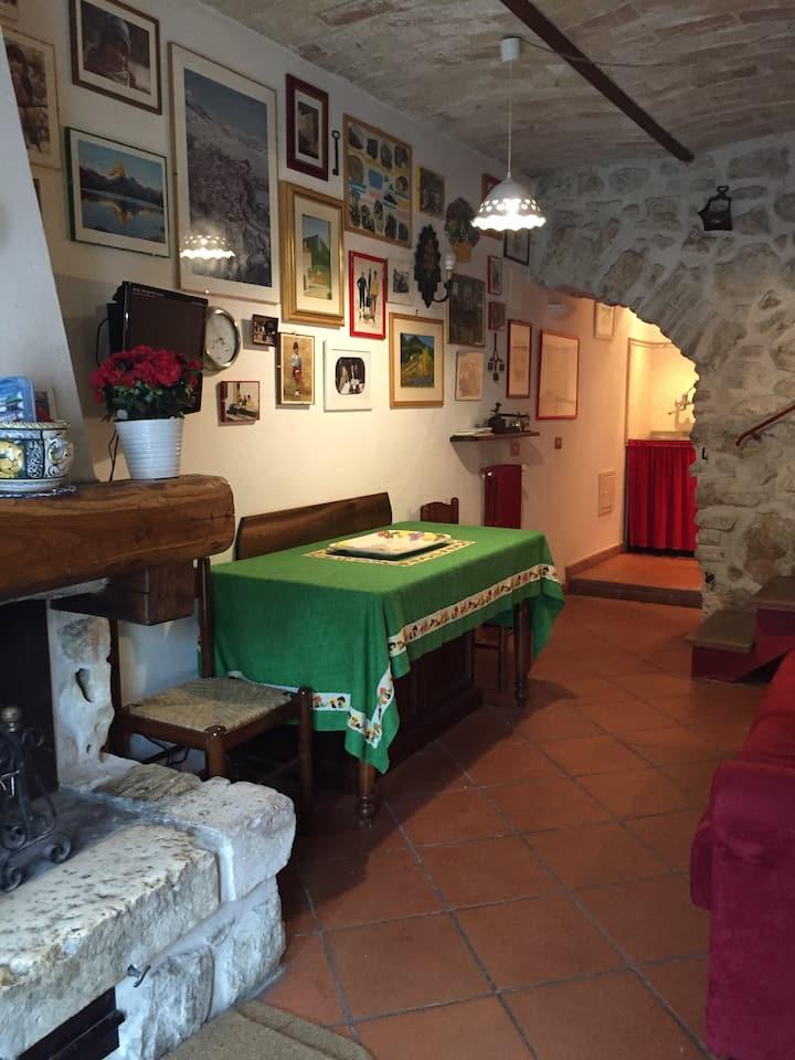 Antica e suggestiva dimora nel borgo di Ovindoli