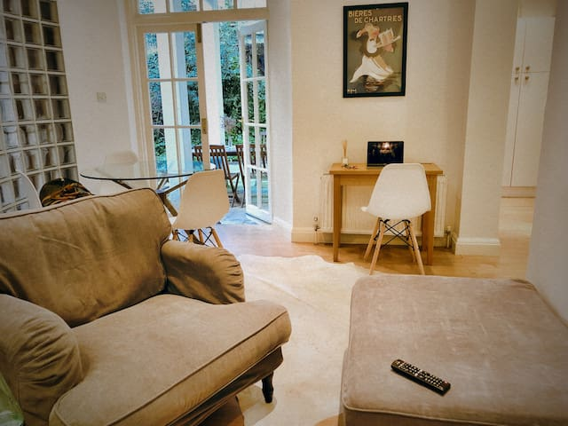 Notting Hill Garden Flat - private AAA location