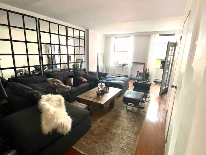 Bedroom in Lower Manhattan 10038