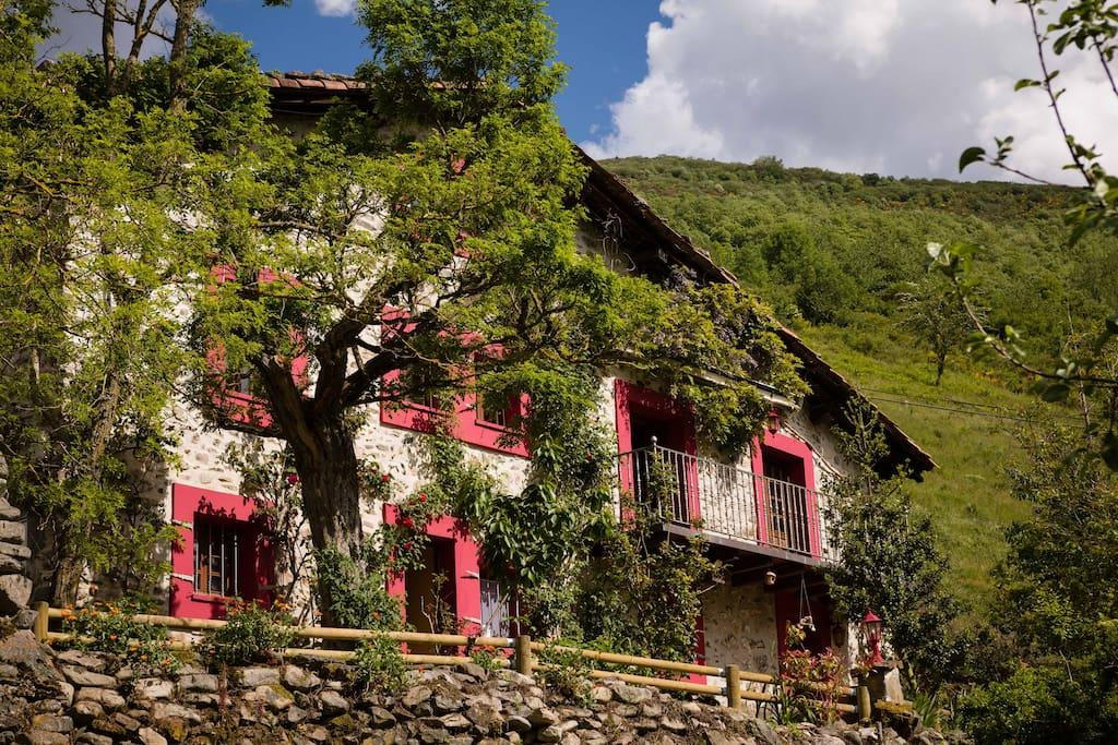 Preciosa casa para desconectar casazaldierna casas en for Alojamiento en la rioja espana