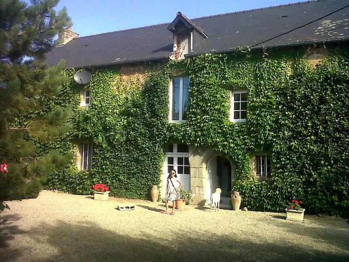 Beautiful country house near Dinan