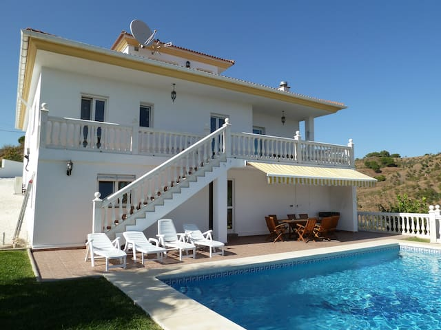 Stunning Mountain Villa Alozaina - Alozaina - Villa