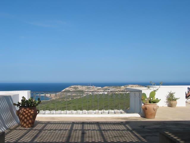Villa avec vue sur la Méditerranée - Bizerte - Huis
