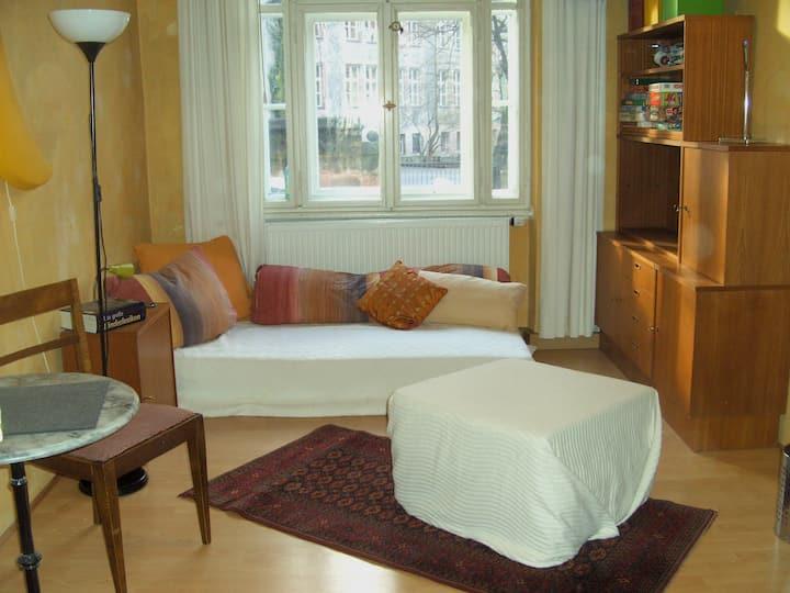 helles Zimmer in WG