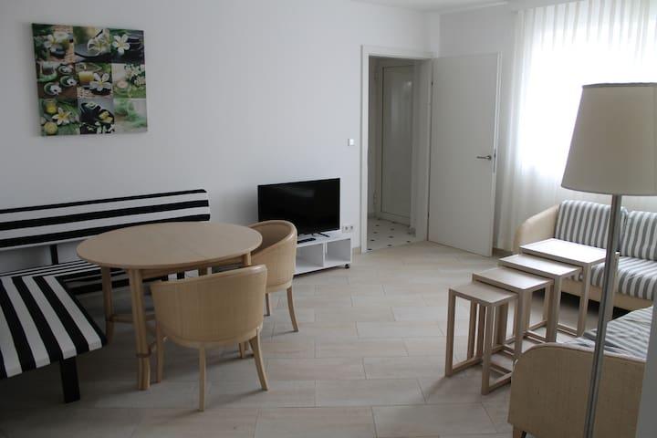 Moderne und ruhig gelegene Wohnung - Leonding - Apartment