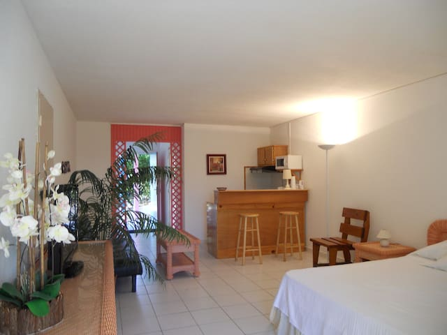 Welcome to a Piece of Paradise - Cul-de-Sac - Appartement