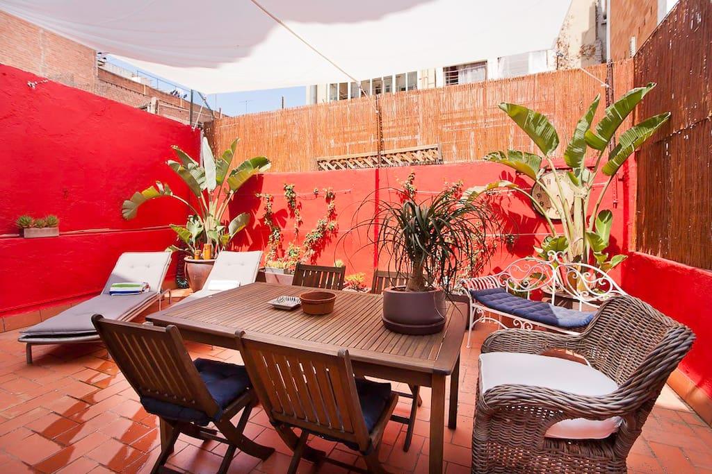 Moderno loft gran terraza lofts en alquiler en for Muebles terraza barcelona