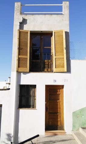 House with roof terrace and patio. - Alcanar