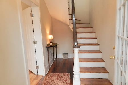 Classy Urban Condo with Great Views - Louisville - Daire