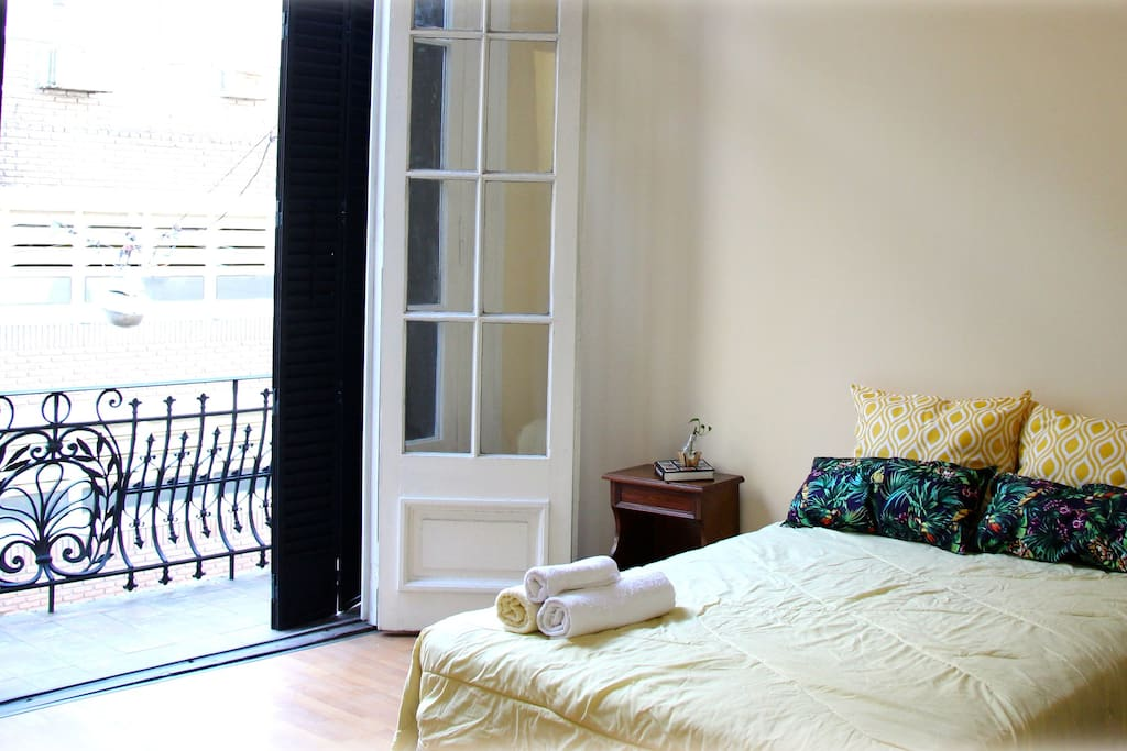 Central luminous bedroom w balcony houses for rent in for Luminous bedroom