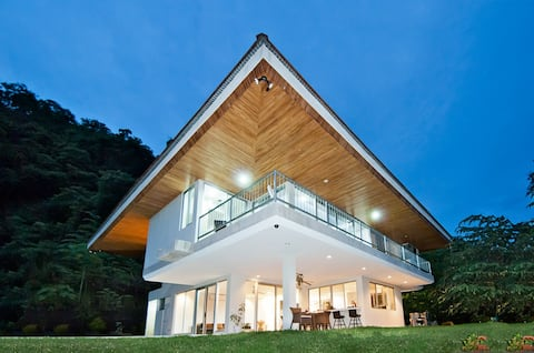 Luxuriöse Villa, Pool, 10 min von Curu, Meersicht