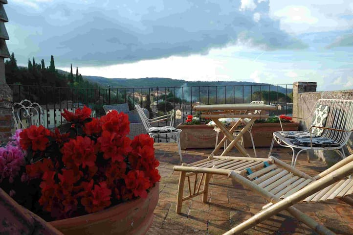 A medieval dream with a roof terrace! - Cetona - House