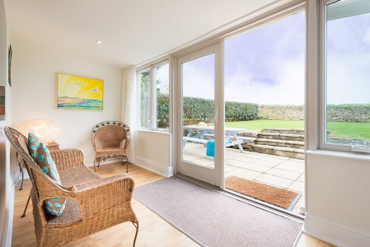 Dog-Friendly Cosy Cottage in Cornwall - Popham