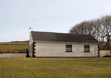 Luxury tranquil chalet MALINHEAD