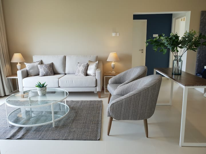 Home away - luxury three bedroom apartment