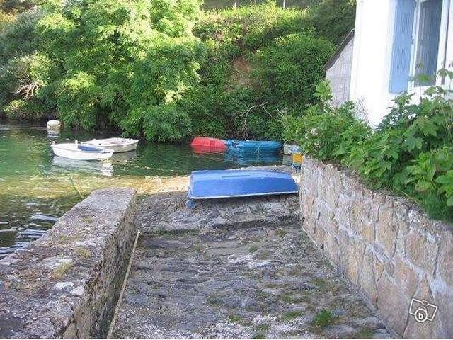 Typique maison de douaniers les pieds dans l'eau