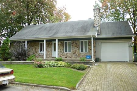 big house wih garage  - Lévis - Hus