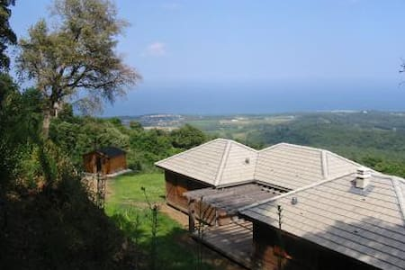 Wooden detached house with stunning - Santa-Maria Poggio - Haus