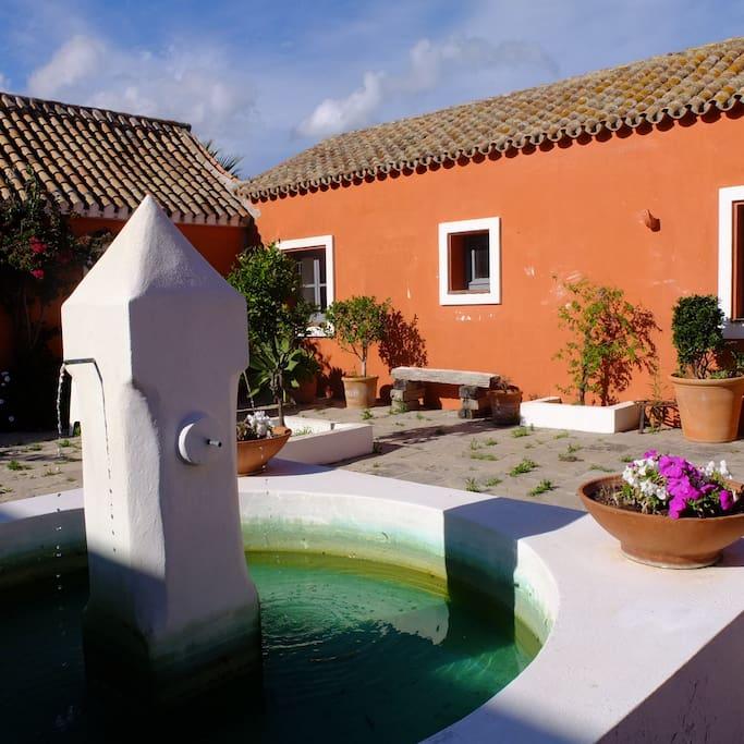 Habitaci n en el cortijo el pozuelo casas rurales en alquiler en tarifa andaluc a espa a - Alquiler casas tarifa ...