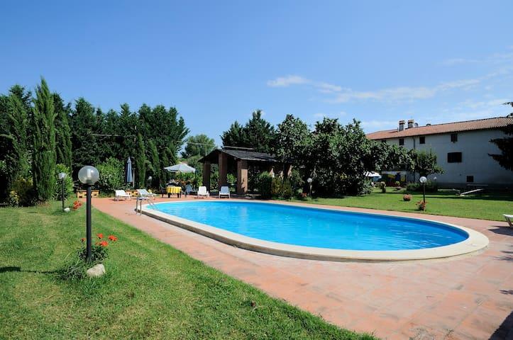 """Casa vacanza """"Casale Fiore"""", Umbria - Città di Castello - Huoneisto"""