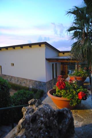 B&B VILLAMOLA - Corbara - ที่พักพร้อมอาหารเช้า