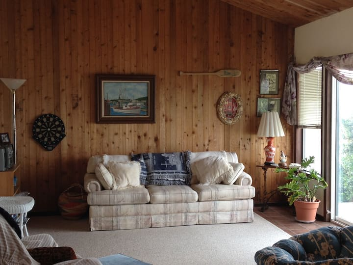 Molly's House Beach House- OFFERING 30 DAY RENTALS