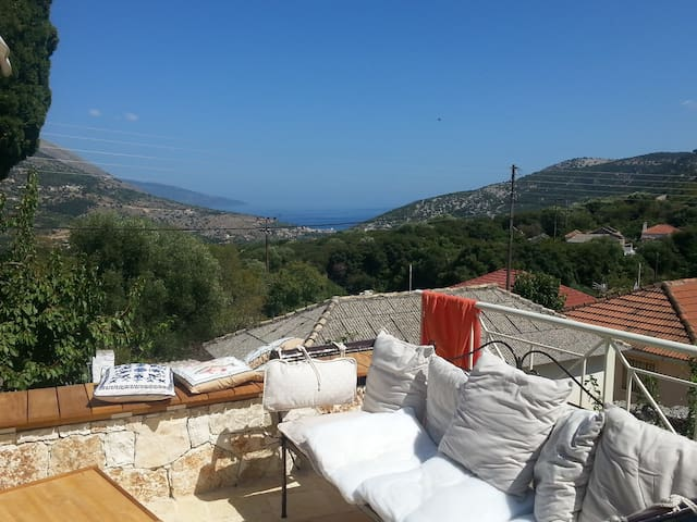 NEW COZY COTTAGE IN AGIA EFFIMIA - Agia Effimia - Casa