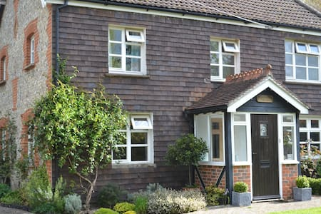 Beautiful home, in South Downs Park - Petersfield - Casa