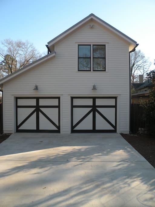Separate parking and access at the rear of Carriage House.