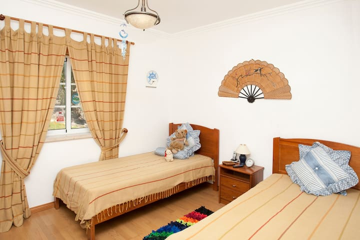 Look this very nice double room - Ameal (Ramalhal/ Torres Vedras) - Casa