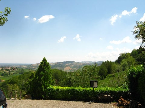 Historical House 1600 th in Little Tuscany