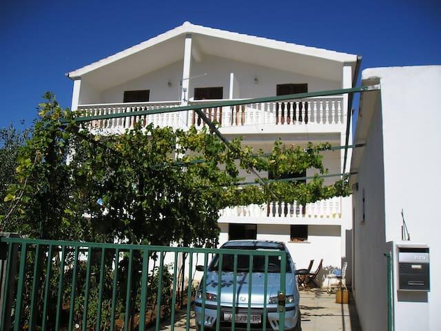 Apartments Jagoda in Pridraga - Pridraga - Apartemen