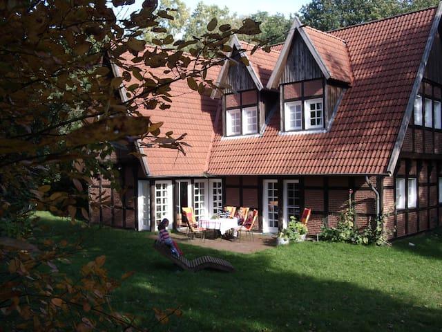 Landhaus am Zauberwald - Löningen - Hus