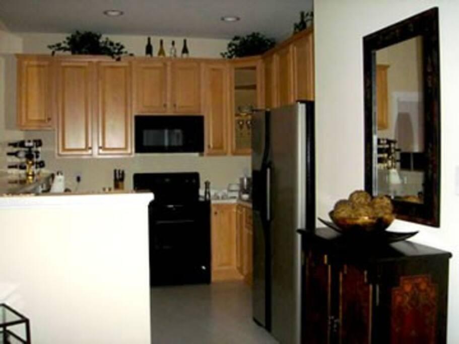 Enjoy the spacious kitchen to prepare your favorite dishes.